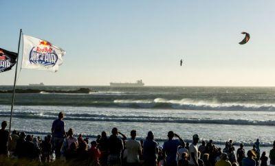 Red Bull King of the Air 2014: Flugshow vor Kapstadt.