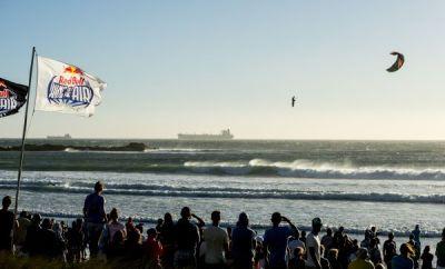 Red Bull King of the Air 2014: Flugshow vor Kapstadt.